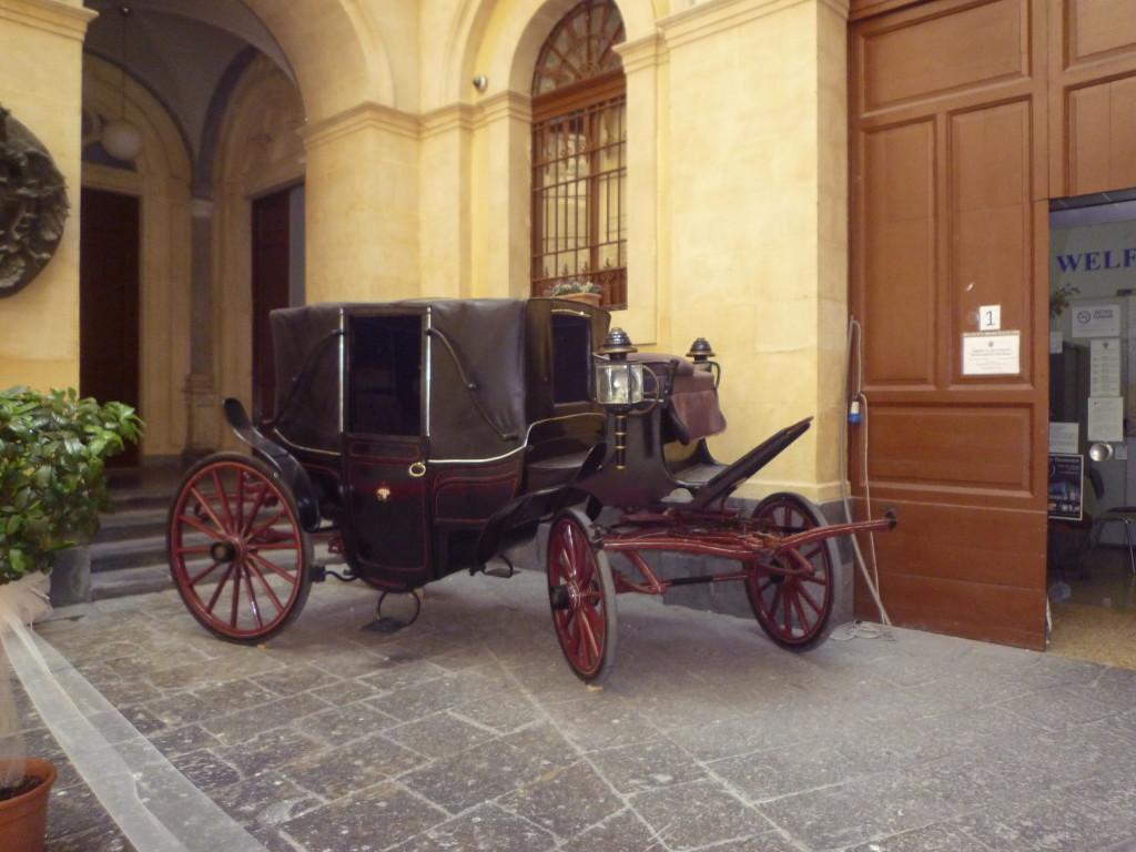 Una  delle  antiche  carrozze del Senato, ancora in funzione