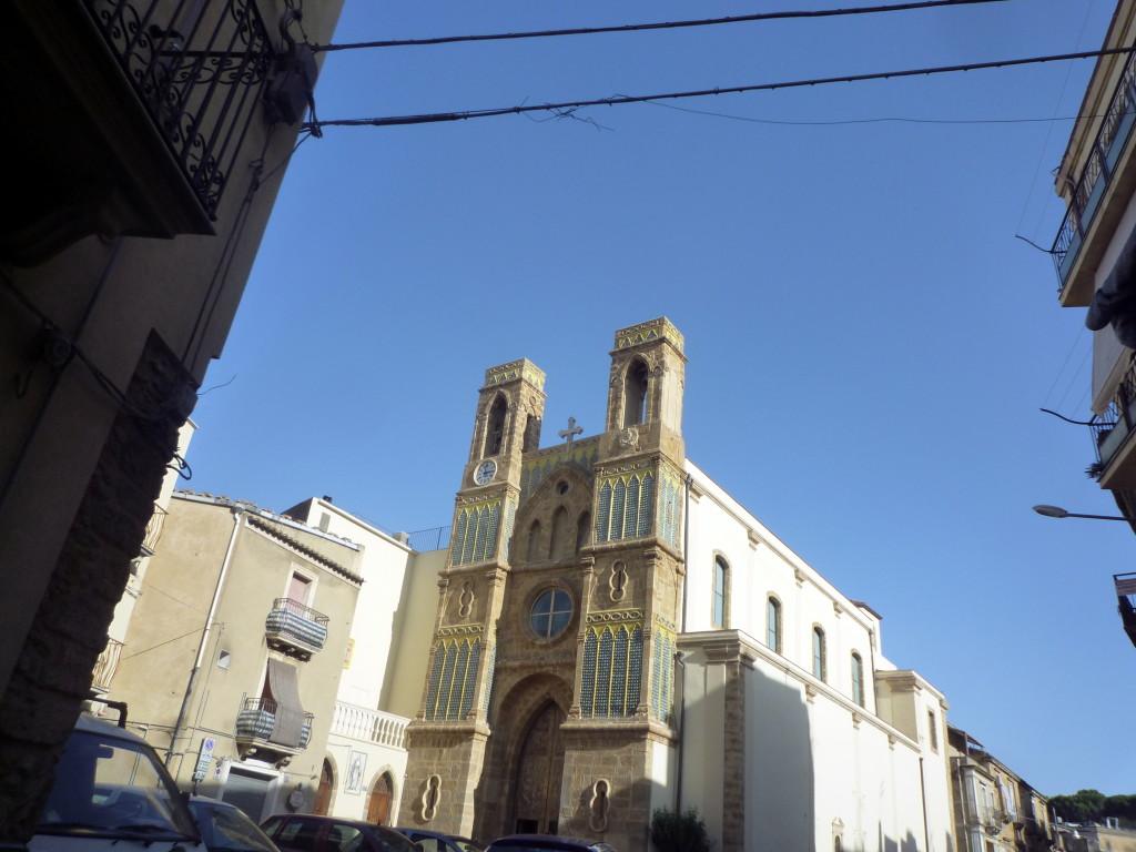 La  Chiesa  di  San Pietro( una  miniatura  di una piccola Notre Dame)