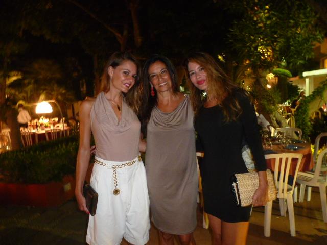 Natathalie e Vanessa Guarnera  con al centro Melina Garilli