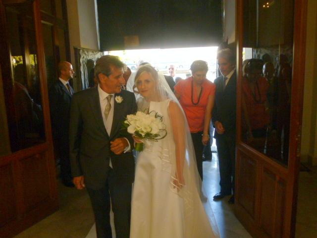 Michele  Majorana accompagna la  figlia  Angela all'altare