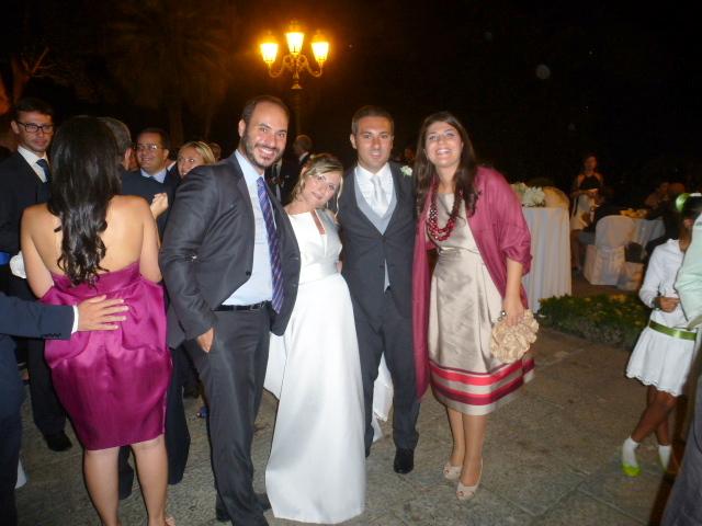 Gli sposi  con amici