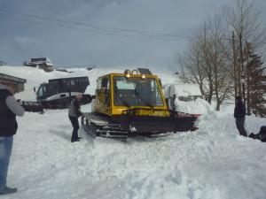 mezzi  da neve   a pieno ritmo