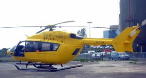 l'elicottero del 118 , parcheggiato  nel piazzale  dell'Unita' Spinale