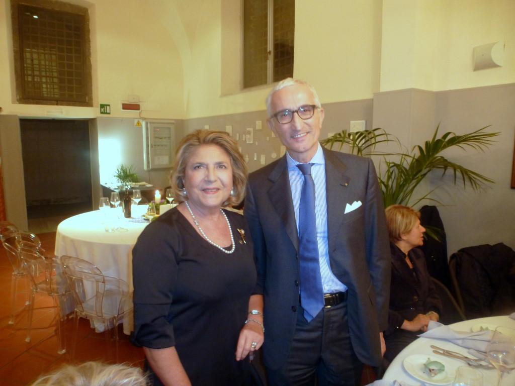 ELENA STRANO E IL PRESIDENTE DEL rOTARY CLUB ACIREALE, AVV ATTILIO FLORESTA